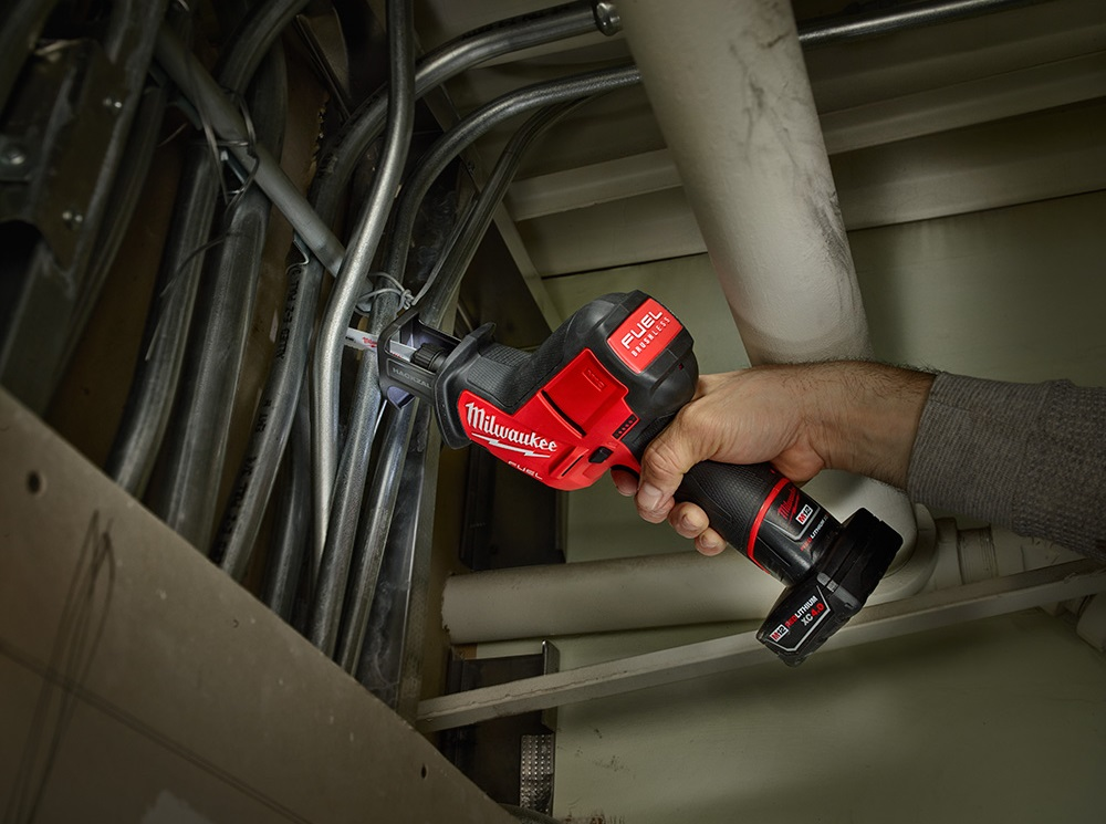Milwaukee M12 Fuel 2520-20 hackzall compact cordless reciprocating saw