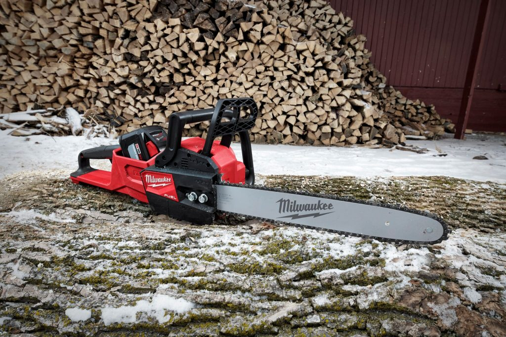 "M18 FUEL 16"" Chainsaw"